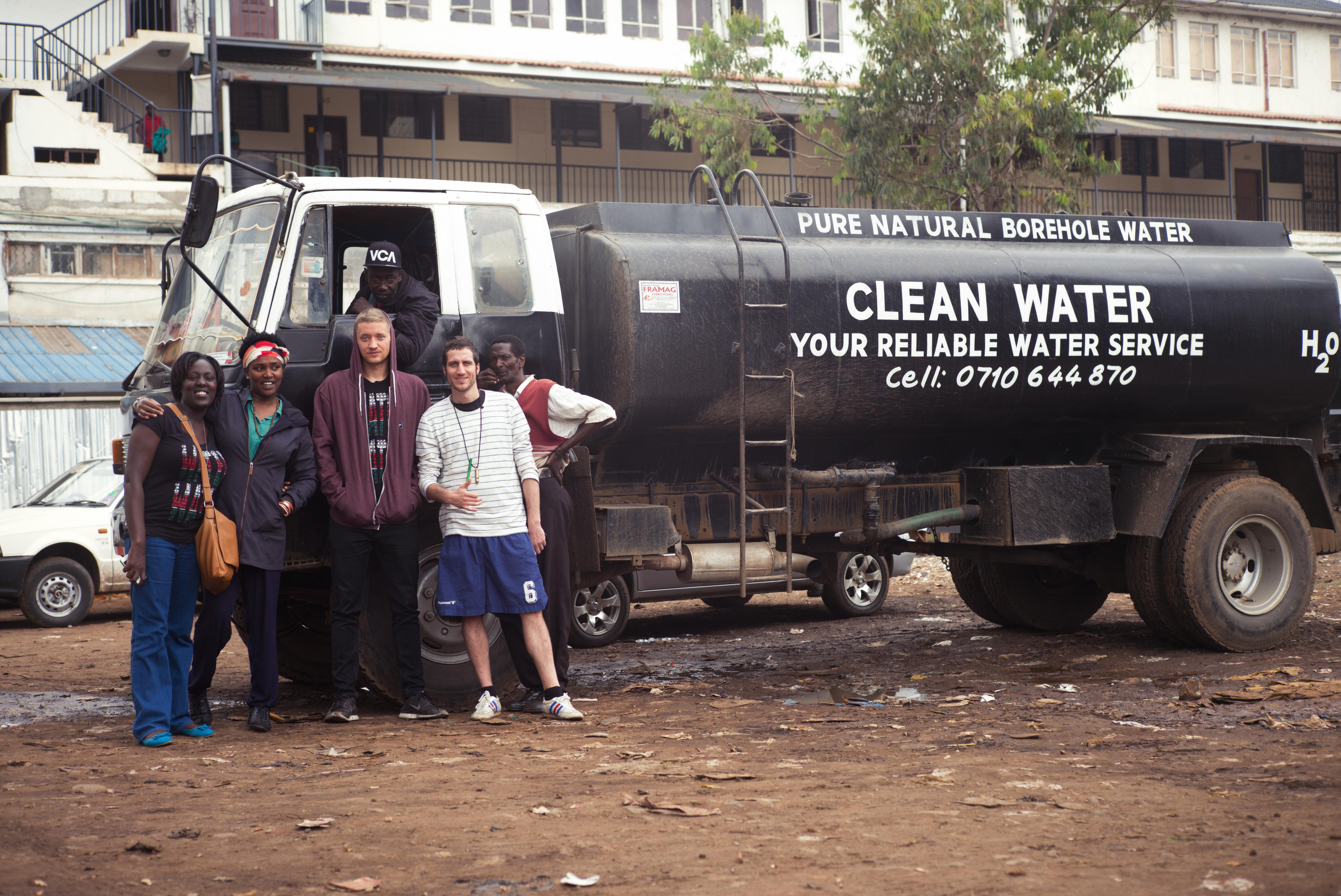 maeckes_wassertank_viva_con_agua_kenia_2014.jpg