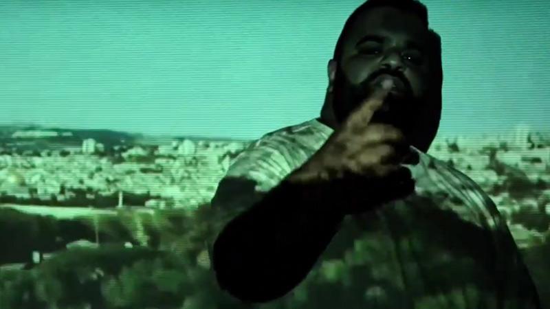 Ali Bumaye im Video zu Palestine