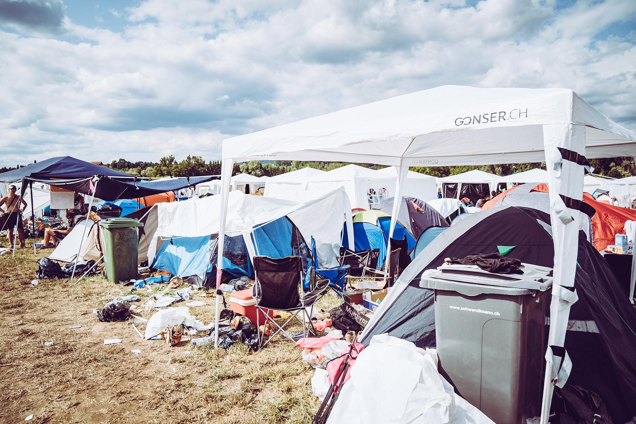 das 13.000-euro-ticket: luxus-campen auf dem openair